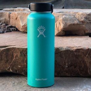 Aqua hydro flask
